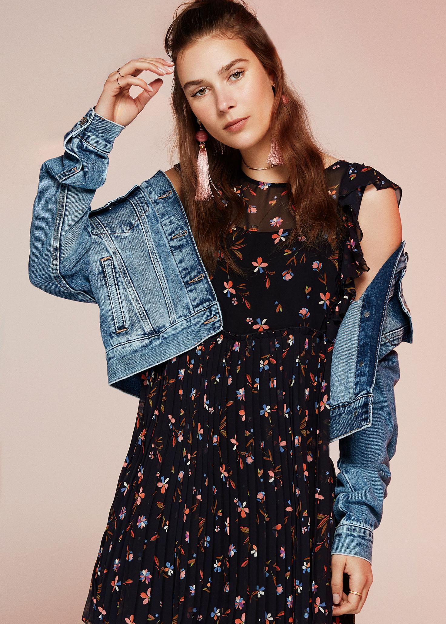 Verspielte Jeansjacken in angesagten Farben in der Mavi Jeans Women Kollektion
