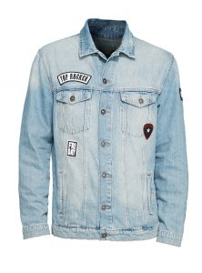 Unsere neue Mavi Jeans Männer Jacke jetzt mit Patches vorne und hinten