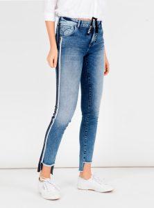 Mavi Jeans Fit Adriana mit Vokuhila und sportlichen Streifen an der Beinaußenseite