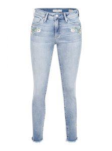 Mavi Jeans Fit Nicole mit sommerlichen Stickerein an beiden Taschen
