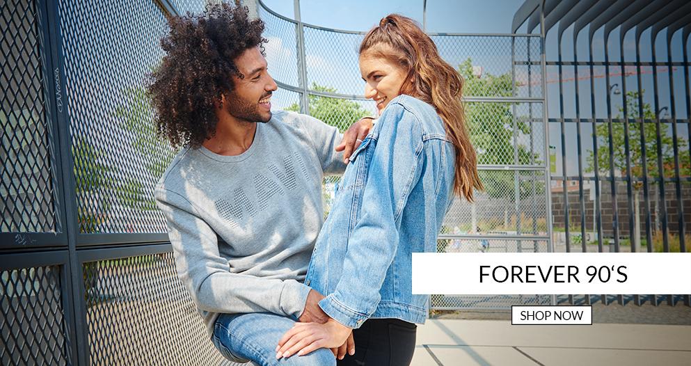 Forever 90's unser Motto finde viele tolle neue Produkte auf der Mavi Jeans Seite