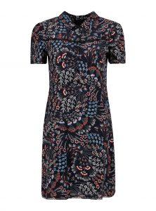 Schwarzes Kleid mit Blumenmuster aus Viskose Tshirt Kleid mit buntem Blumenprint Kentkragen mit Knopfleiste Tailliert geschnitten Kurzarm neu bei Mavi neue Young Fashion Kollektion