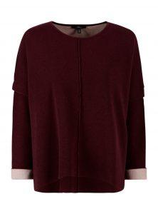 Langarm Pullover in Berry aus Baumwoll-Wollgemisch mit Rundhalaausschnitt und Innenstoff in Rosa als Farbkontrast aus der neuen Mayi Uptown Kollektion