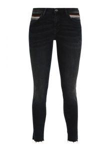 Adriana | Mid Waist Super Skinny Jeans mit glitzernden Statement Streifen an den Taschen in Schwarz, Weinrot, Creme und Grau, mit verkürztem, offenem Saum, sehr eng geschnitten mit mittlerer Leibhöhe aus der neune Mavi Young Fashion Kollektion